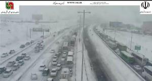 گیرکردن خودرو در برف
