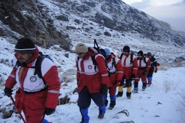 اعزام تیم امدادهوایی و زمینی هلال احمر کرمان برای نجات جان کوهنورد ۳۷ ساله