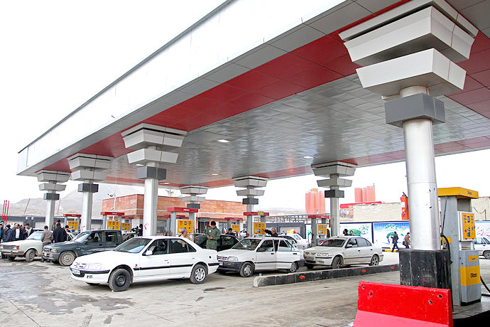 مجلسیان با افزایش قیمت و سهمیه بندی سوخت مخالفت کردند