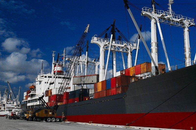 تجارت ۳۶.۵ میلیارد دلاری ایران با همسایگان در سال ۹۹