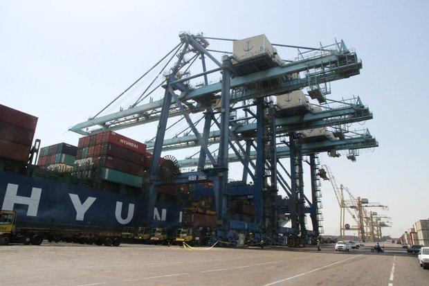 وجود  بیش از ۵ میلیون تن کالای اساسی در بنادر، کشتیها و لنگرگاهها
