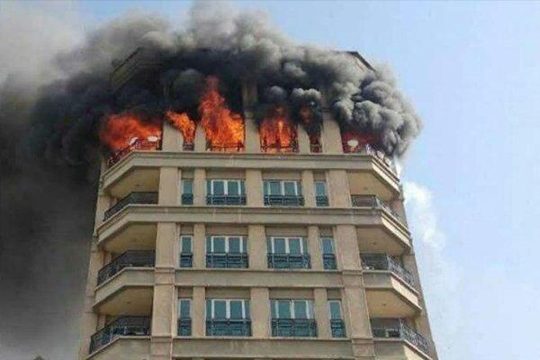 جزئیات آتش سوزی ساختمان اداری ۱۰ طبقه در خیابان جردن