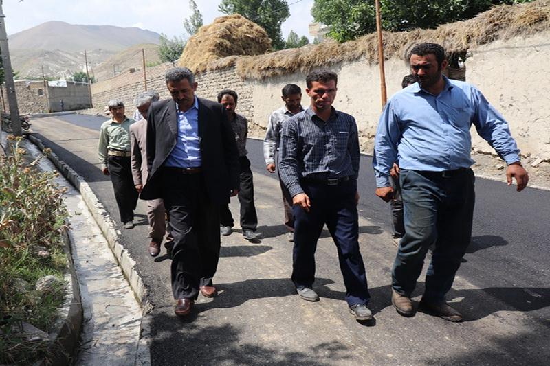 ۴۲ هزار متر مربع معبر روستایی چالدران آسفالت میشود