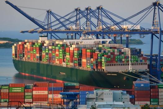 ترغیب صادرکنندگان نسبت به بازگشت ارز با بسته جدید ارزی دولت