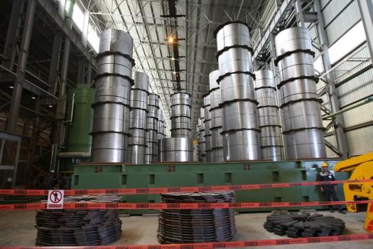 تولید ۲۲ محصول منتخب صنعتی و معدنی افزایش یافت