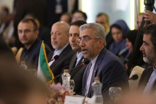 ۱۲ سند همکاری اقتصادی و تجاری ایران و روسیه امضا شد