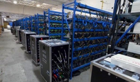 کشف و توقیف ۵۰۰ دستگاه استخراج ارز دیجیتال در گیلان