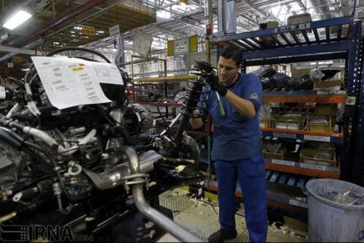 ارزبری صنعت خودروی کشور ۲۵ درصد کاهش می یابد