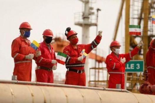 پسرفت اقتصادی با فروش نفت خام شدت میگیرد