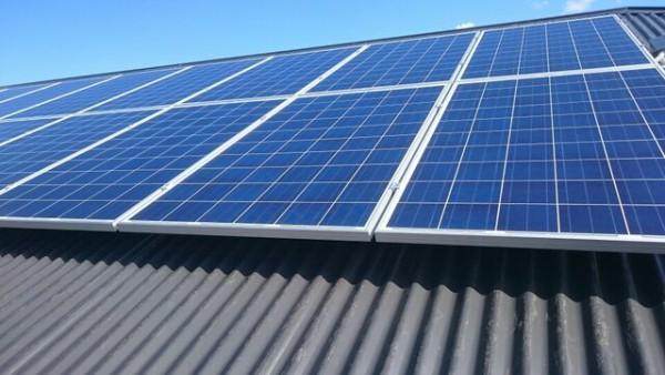مشارکت بانک ملی در کامل ترین زنجیره تولید پنل های خورشیدی