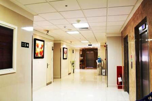 انعقاد تفاهم نامه همکاری بانک دی با بیمارستان کسری