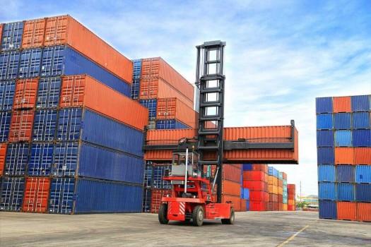 واردات در سال گذشته ۱۰ میلیارد دلار کاهش یافت