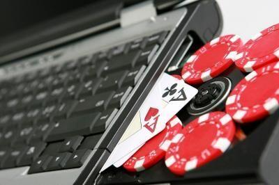 انسداد بیش از ۳۰۰ کارت بانکی سایتهای قمار
