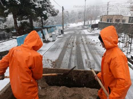 عملیات برف روبی در شمال تهران در حال انجام است