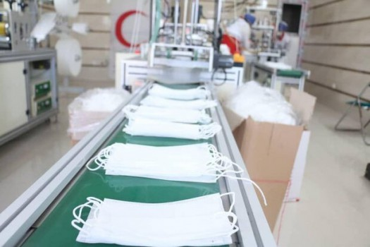 توزیع ماسک در ایستگاه سلامتی بانک دی