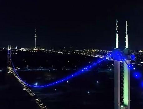 پل معلق آسمان با سیستمهای نوین نورپردازی شد