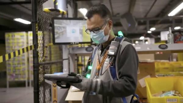 برداشتن ماسک برای کارکنان آمازون آزاد میشود