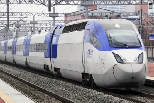 وزیر راه با نظر کمیسیون عمران درباره قطار سریع السیر مخالفت کرد